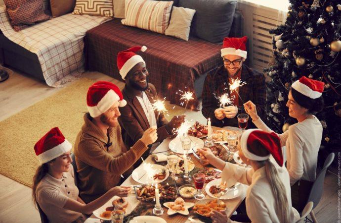 5 Ideen für Weihnachtsfeieren im Januar und warum diese Verlegung Ihr Team begeistern wird
